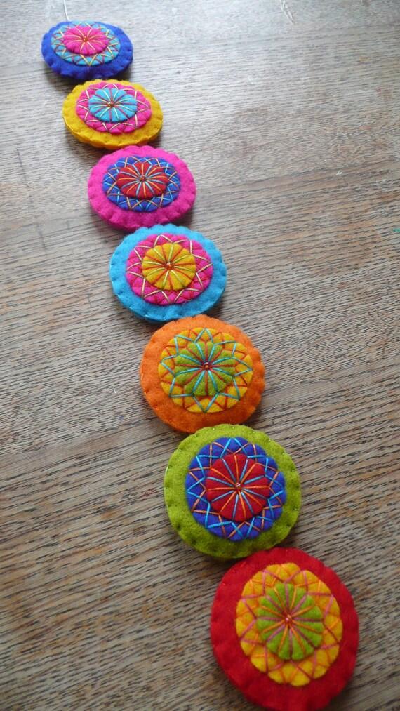 Colorful felt garland (M)