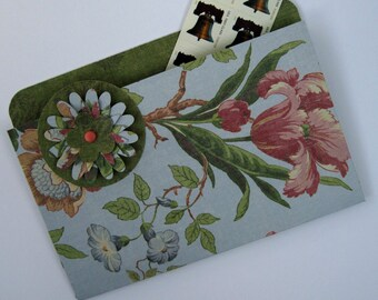 Coupon Binder File Folder Magnet Organizer in Pink Parrot Tulips for Recipes, Coupons and Photos