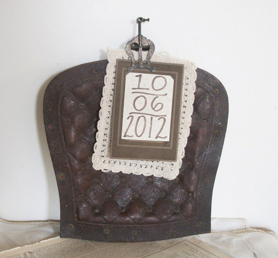 Vintage Wall Hanging Embossed Fibre Chair Seat - Spaulding Fibre Products - Rustic outdoor wedding/ party décoration, Repurpose as a Sign