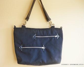 Navy  Wool Shoulder Bag / Zipper Closure / Large/  with leather details