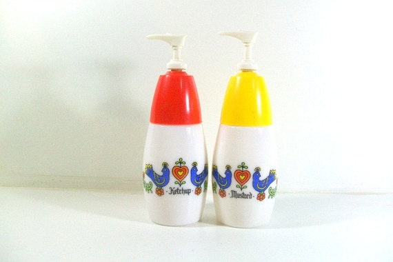 Vin Corelle Corning Gemco Milk Glass Ketchup & Mustard Dispensers Country Festival Bluebird