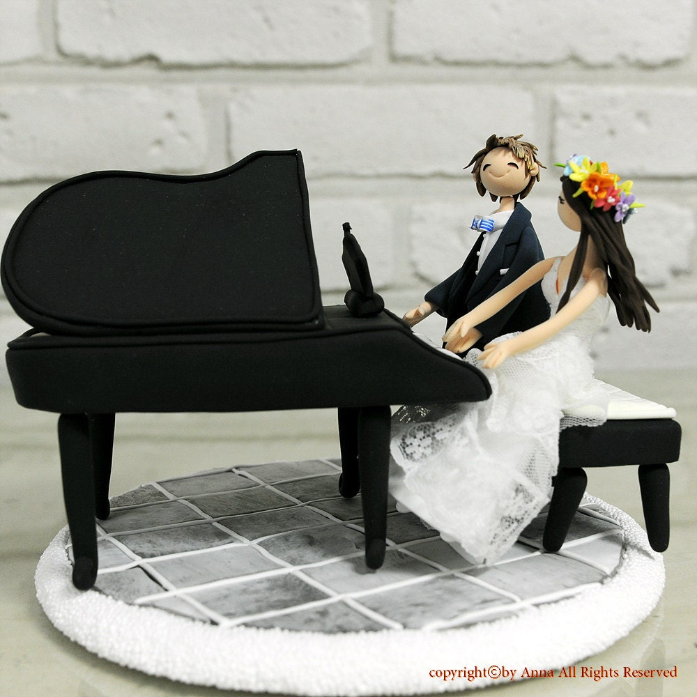 Playing Piano Couple Custom Wedding Cake Topper Decoration