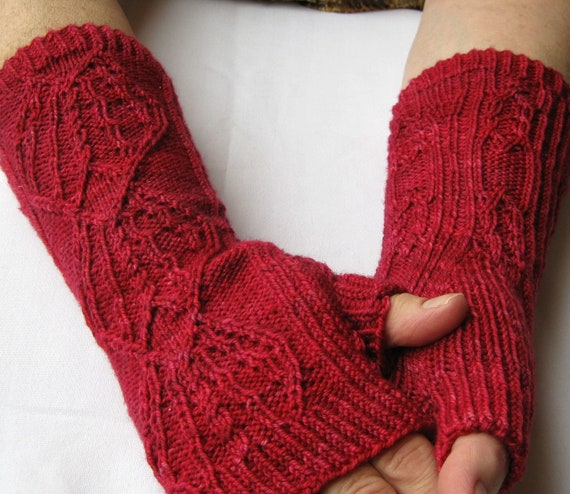 Fingerless Gloves Knitting Pattern Beginner : Knit Mitt Pattern: Twisted Crown Fingerless Glove Knitting