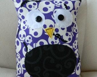 HALLOWEEN - Ollie the Owlet - Stuffed Owl -  Purple Skulls