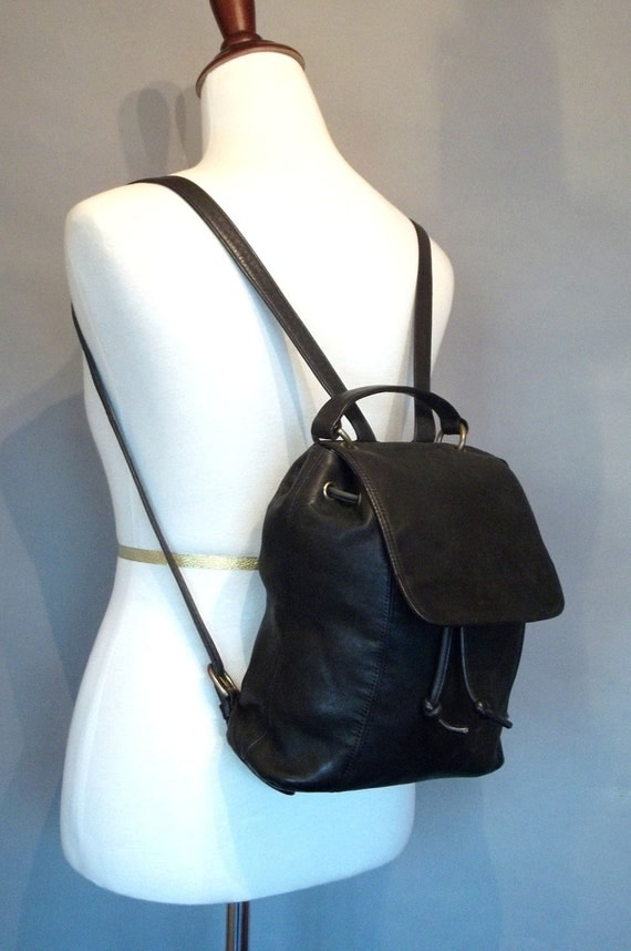 Vintage CHIC Black Leather BACKPACK with Handle.