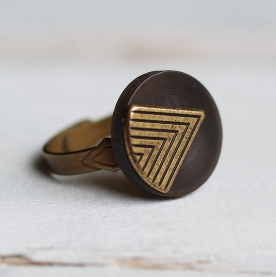 Deco Ring ... Vintage Triangle Arrow Geometric Chevron Brown Gold