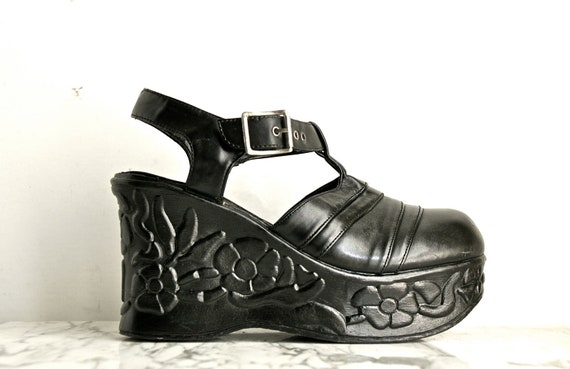 90's Chunky Wedge Leather Clogs With Carved Floral Platforms