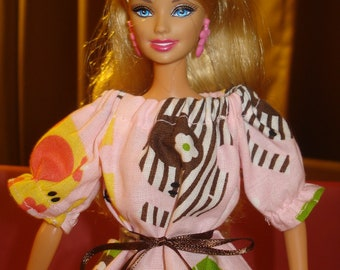 Fashion Doll Coordinates -  Peasant blouse in colorful pink Elephant print - es45