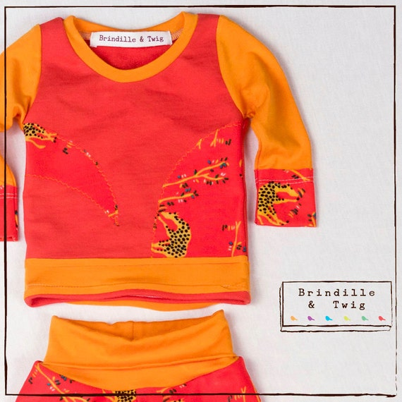 Boy or Girl baby giraffe outfit sz. 0-3 months Orange and Yellow
