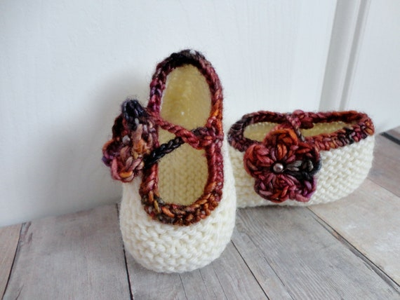 Baby Shoes, Booties, Newborn Booties, Knit with Multi Colored Trim and Flower Button Infant Newborn Accessories Shabby Chic Fashion