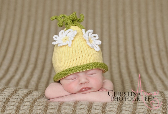 Baby Girl Hat, Newborn Hat with Flowers, Newborn Daisy Baby Beanie,  Daisy  Baby Hat, Flower Baby Bonnet