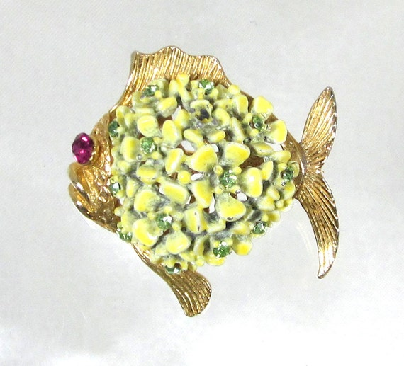 August Birthday Darling Vintage Peridot Rhinestone Fish with Bouquet of Enamel Yellow and Green Flowers, Designer SA