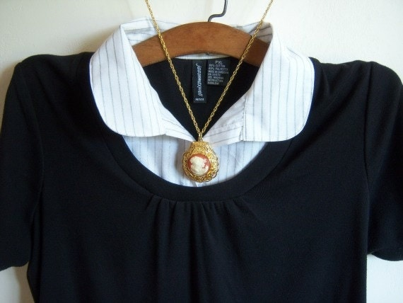 Vintage Victorian Style Cameo Pendant Gold Chain Two Girls Home Decor New Orleans Vintage Shop Holiday Retro Vintage