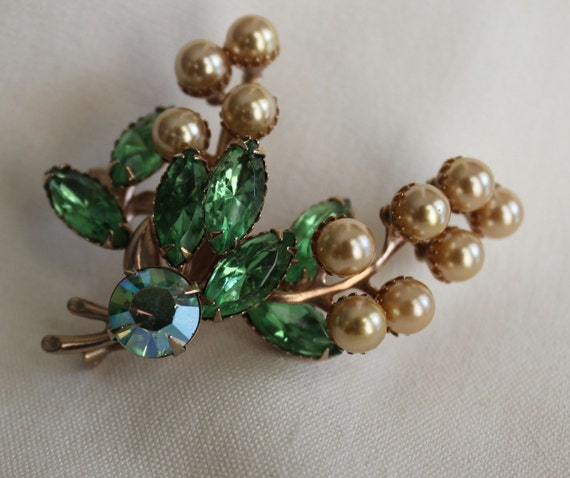 Green Rhinestone and Pearl Flower-Brooch
