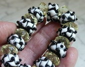 Dots Mood 10 round shape beads in black and white, wavy white with black raised dots and 10 diamond shape November Fashion