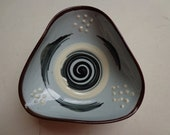 Vintage small triangular folded Bowl in typical 1950 Design, Black, Grey, White, Brown, with Pedestal