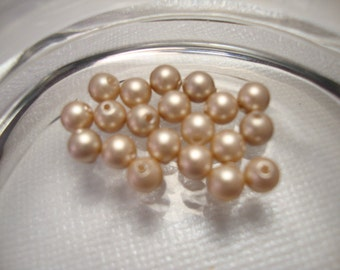Swarovski Crystal Pearls - Powder Almond  - 4mm - 20 pearls