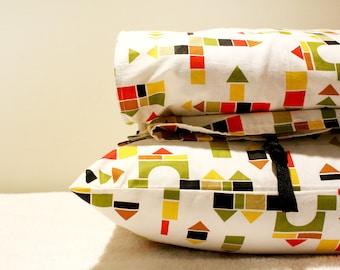 "BLOCKS - Organic Toddler Duvet Cover and Pillowcase - 100% Organic Cotton - Custom Sized - Multi-Colored ""Kubiki"""