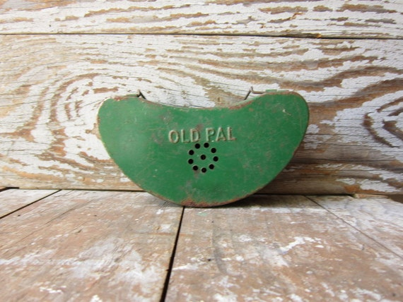 Old Pal Green Metal Fishing Bait Box or Worm Box