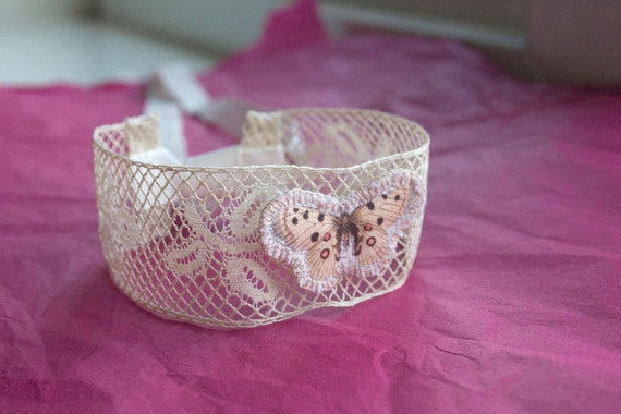 1920 Cream Lace Wrist Wrap with Butterfly