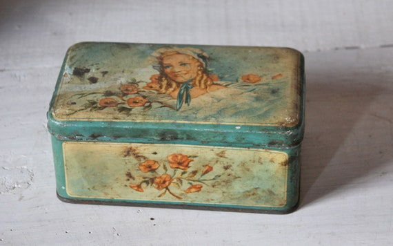 Decorative tin - French and Dutch