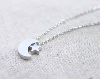simple Crescent and Star Necklace - S2032-1