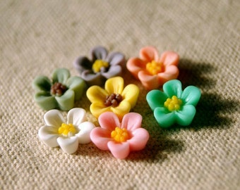 14pcs 13mm  Mixed Colors Resin Flower