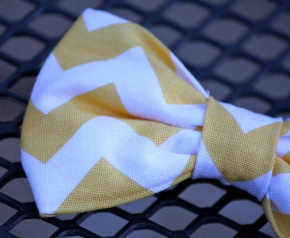 Mens bow tie in Yellow and white Chevron - Clip on, pre-tied with strap or self tying - ring bearer, groomsmen, wedding accessories
