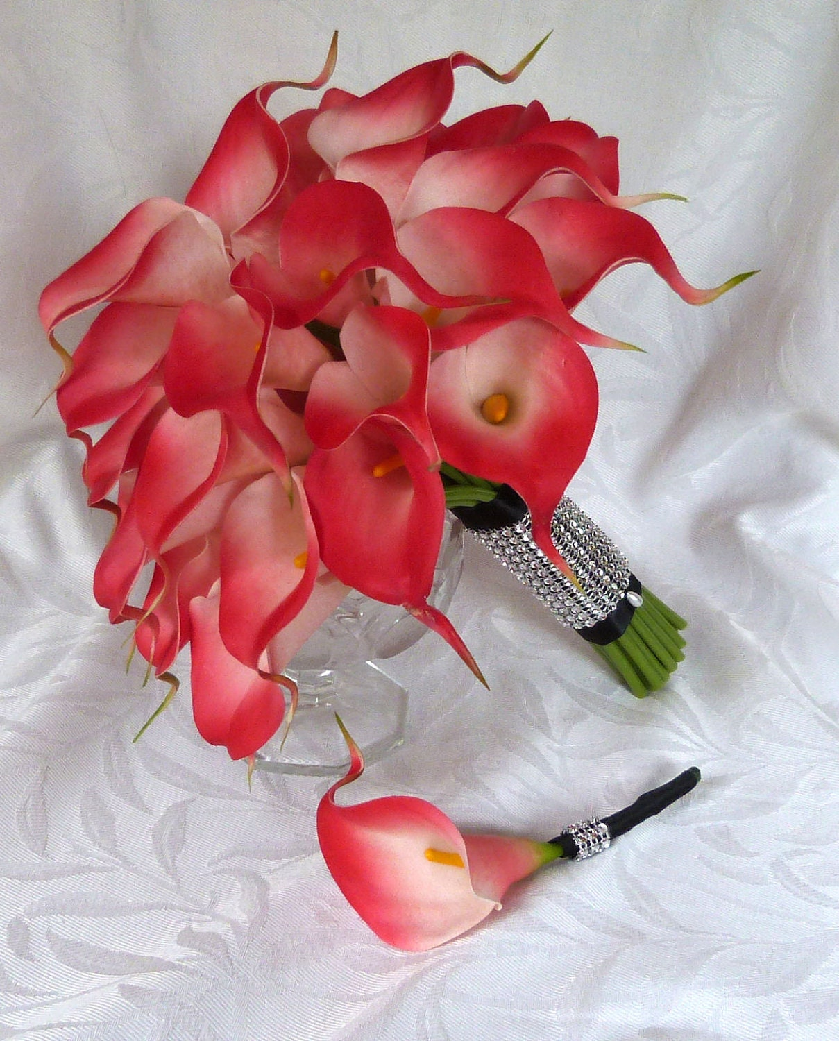 red calla lily wedding bouquet simple elegant real touch mini. Black Bedroom Furniture Sets. Home Design Ideas