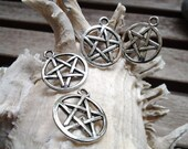 Antique Silver Wicca Pentacle Charms (12)