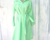70s MINT GREEN Dress...size large to xlarge....women. green. mint. 1970s dress. mod. retro.