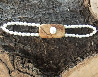 Olive Wood and freshwater pearl bracelet