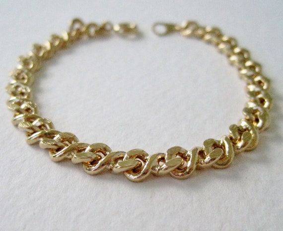 Vintage 1991 Traditional Preppy Unsigned Avon Size Small Goldtone Gold Tone Herringbone Curb Link Chain Bracelet