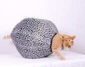 Holiday Sale Cat Ball Modern Kitty Cave Bed in White Fur