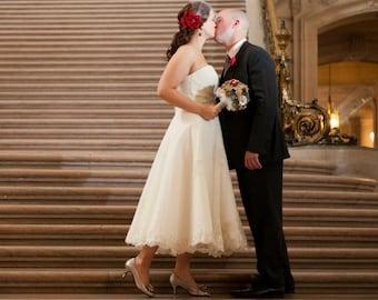 Scarlet Red Bridal Flower Hair clip, Wedding Hair Accessory, Fascinator, red bridal veil, Crystals, Bridal Head Piece