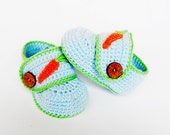 Crocheted baby  booties in blue with decoration carrot, baby shoes, READY TO SHIP