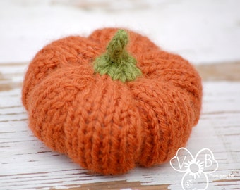 Instant Digital Download Pattern - PDF Knitting Pumpkin Pattern - Fiber Pumpkin Tutorial - Fall Decor How-To - DIY Autumn Wedding Decor