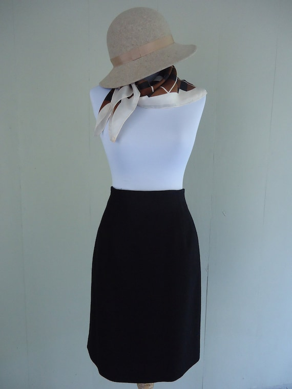 wool pencil skirt / Sleek Black  wool pencil skirt