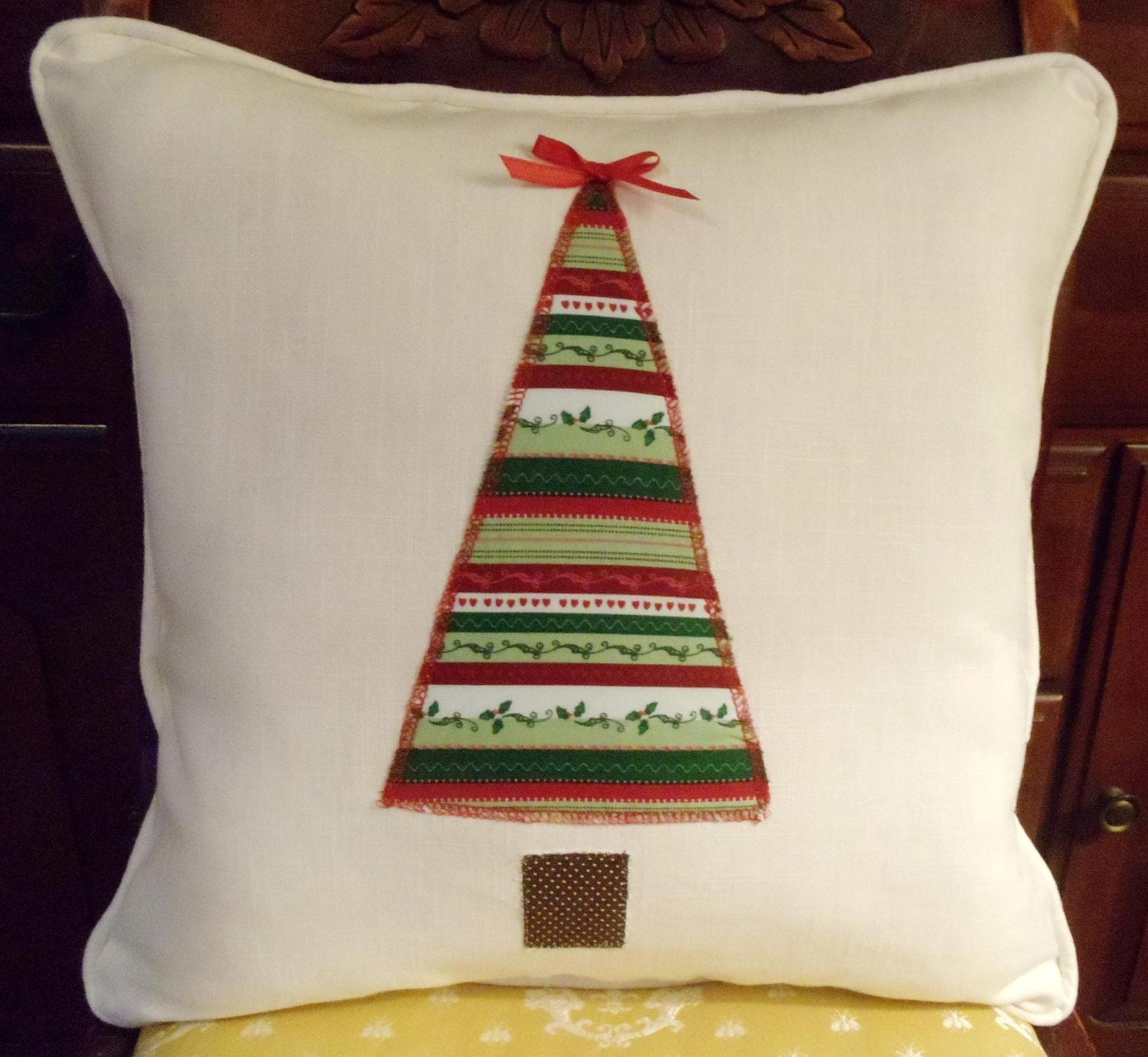 Traditional Christmas Tree Pillow Cover 16 x 16 Inch