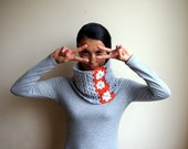 Neckwarmer  - granny cowl lace circle grey tangerine crochet - loop infinity white flower - Accessorise