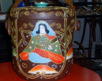 Chinoiserie  antique Satsuma moriage porcelain biscuit  jar with Asian Goddess