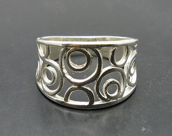 R001023 STERLING SILVER Ring Solid 925 Circles Band