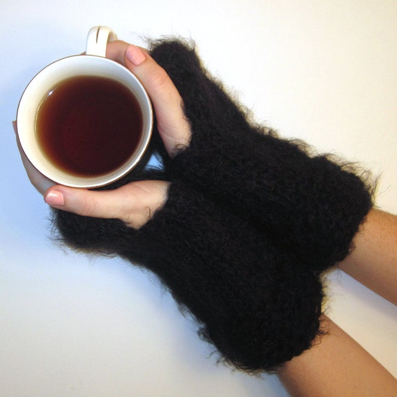 Knit Fingerless Black Gloves