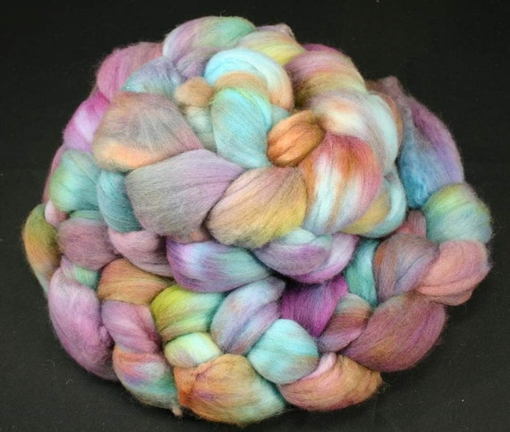 Hand painted roving Maco Merino, 19 micron, hand dyed spinning and felting fiber top, 4.2 oz, 100 % wool
