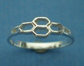 Bee SIlver Honeycomb Ring - Abstract ring, Minimalist ring, Boho chic, Geometric Ring, Hexagon Beehive Ring