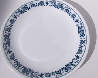 Vintage Corelle Old Town Blue Onion Salad Plates Glass By Corning