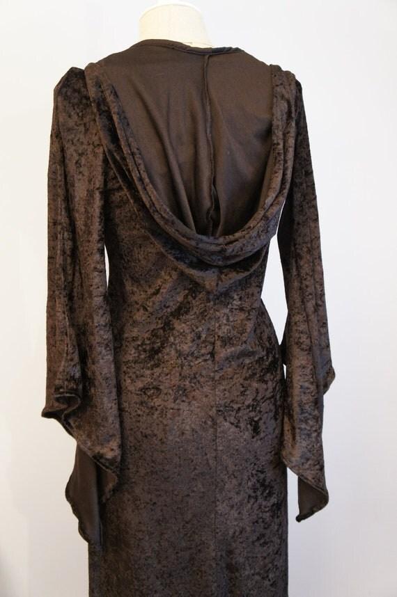 Long Black Velvet Cape - Gothic Vampire Clothes - Rennisance Cloak -