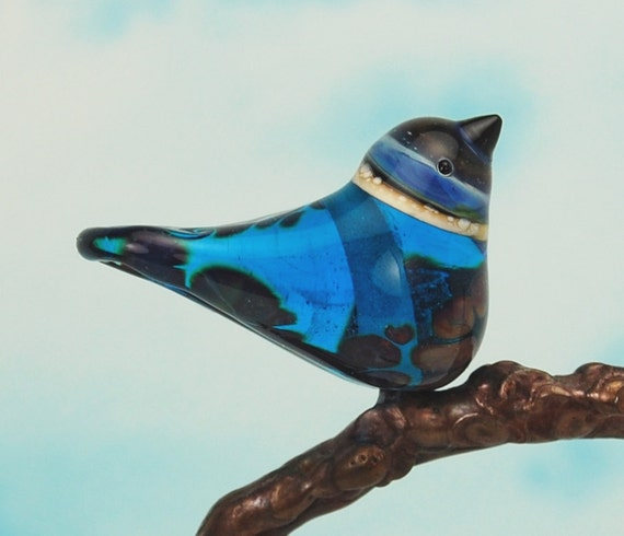Bird bead. Handmade lampwork glass bird pendant.
