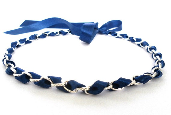 Short blue and silver necklace. Chain choker. Ribbon necklace.