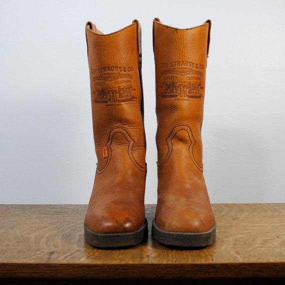 vintage boots / leather campus boots / levi's (size 9)